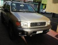 Nissan pathfinder 2000 color dorada nueva