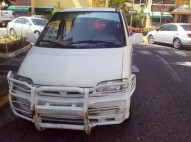 Nissan serena 2003 garza