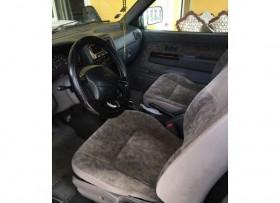 Nissan D21 2001