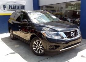 Nissan Pathfinder LE 2014