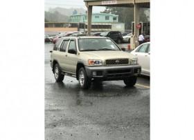 Nissan Pathfinder año 2000