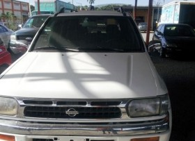 Nissan Terrano  2001