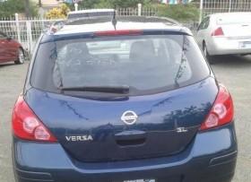 Nissan Versa Hatchback 2010
