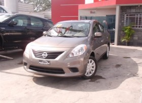 Nissan Versa SL 2012
