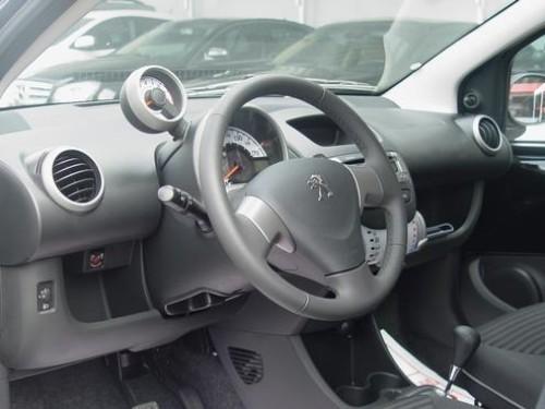 Peugeot 107  2013