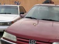 Peugeot 605  1998