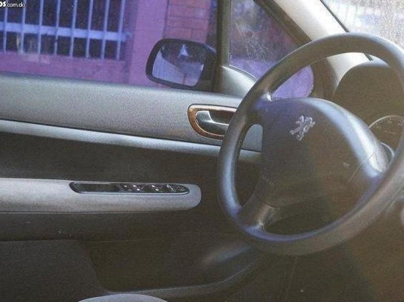 Peugeot 307 2005 ROJO