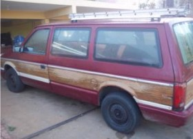Plymouth Grand Voyager LE