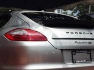 Porsche Panamera 4 S 2010