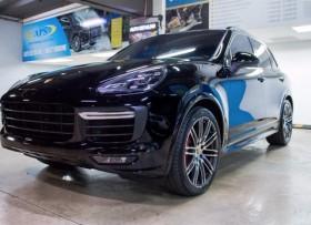 Porsche Cayenne Turbo 2016