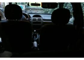Práctico y confortable Clío Plata 2006 Único dueño Remato