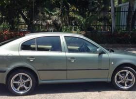 Skoda Octavia 2003 verde olivo