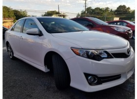 TOYOTA CAMRY SE 2014 EXTRA CLEAN 27K MILLAS