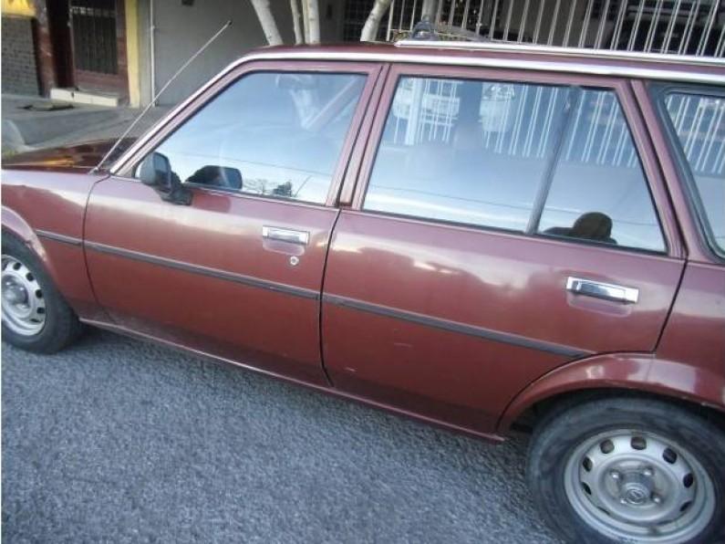 Toyota Corolla Modelo 81