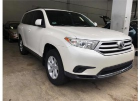 TOYOTA HIGHLANDER-L4-AT-LE-NITIDA
