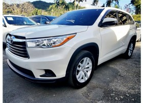 TOYOTA HIGHLANDER LE 15′ COMO NEW FULL POWER