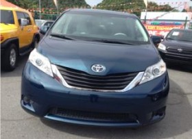 TOYOTA-SIENNA5DR-8P-LE-FWD-2011-NITIDO