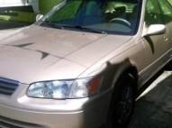 Toyota Camry le 2001 dorado multilocknitido