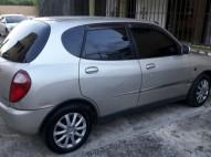Toyota Duet 2002 en excelentes condiciones