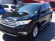 Toyota Highlander LE 2011