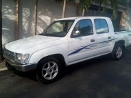 Toyota Hilux 2000 Doble Cab Turbo Diesel aire aros