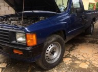 Toyota Hilux Pick Up 86 86