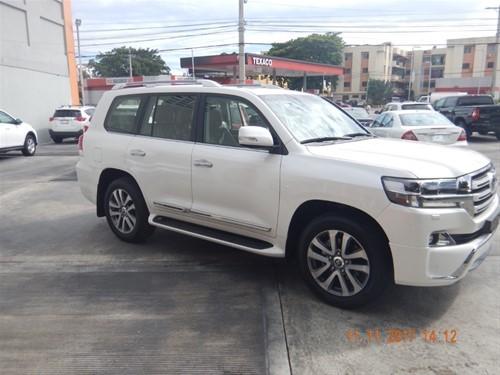 Toyota Land Cruiser VIP 2018