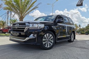 Toyota Land Cruiser VXR 2020