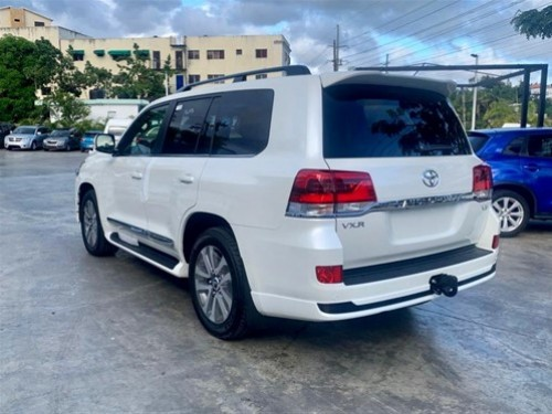 Toyota Land Cruiser VXR 2020