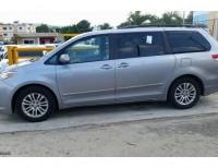 Toyota Siena XLE 2011