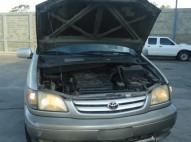 Toyota Sienna 2002 en muy buenas condiciones