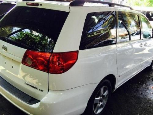 Toyota Sienna 2010