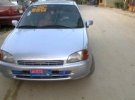 Toyota Starlet 1999 gris