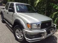 Toyota Tacoma PreRunner 2004