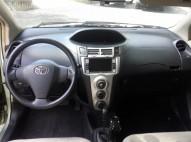 Toyota Vitz 2006 muy economico