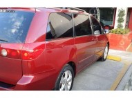Toyota sienna 2008 roja