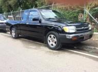 Toyota tacoma 96 cabina y media