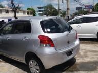 Toyota vitz  2011 Gris plata Garantía