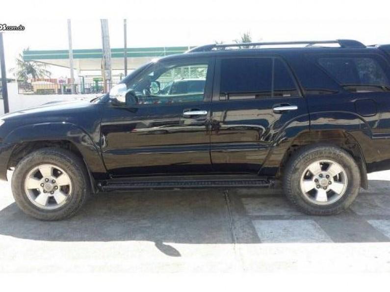 Toyota 4 Runner 2010 gasoil black