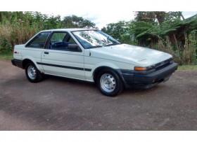Toyota Corolla 1985 en excelentes condiciones