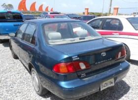 Toyota Corolla LE 2000