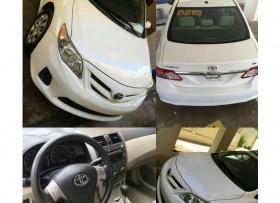 Toyota Corolla LE 2010 Sunroof-Bluetooth