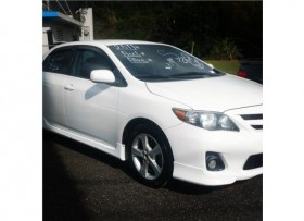 Toyota Corolla sport blanco