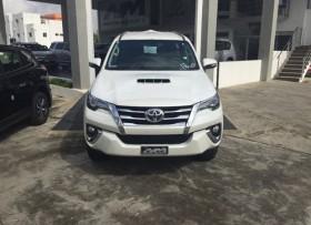 Toyota Fortuner SRV 2017