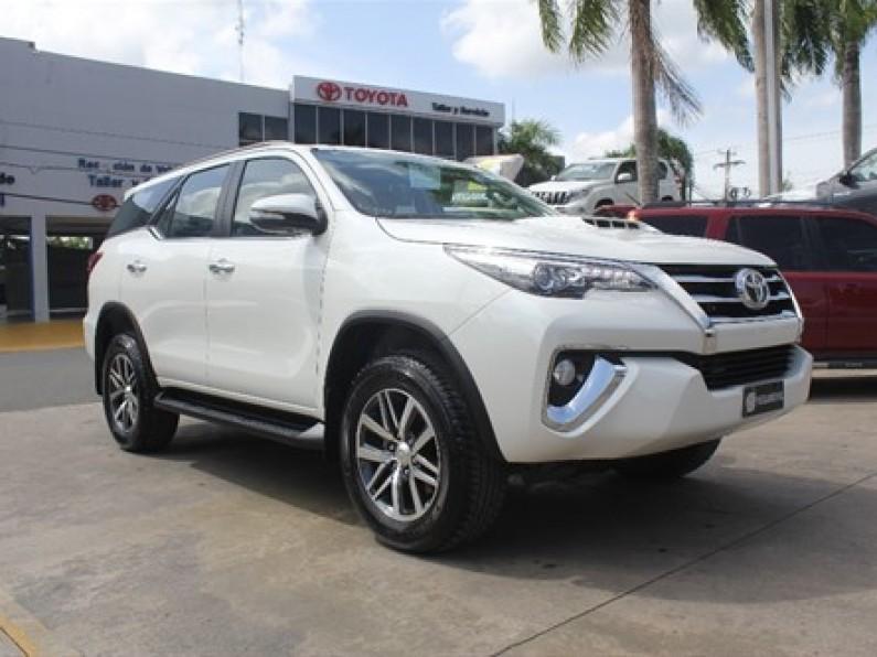 Toyota Fortuner SRV 2018