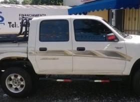 Toyota Hilux 2002 Blanco 4x4 Mecanica Diesel