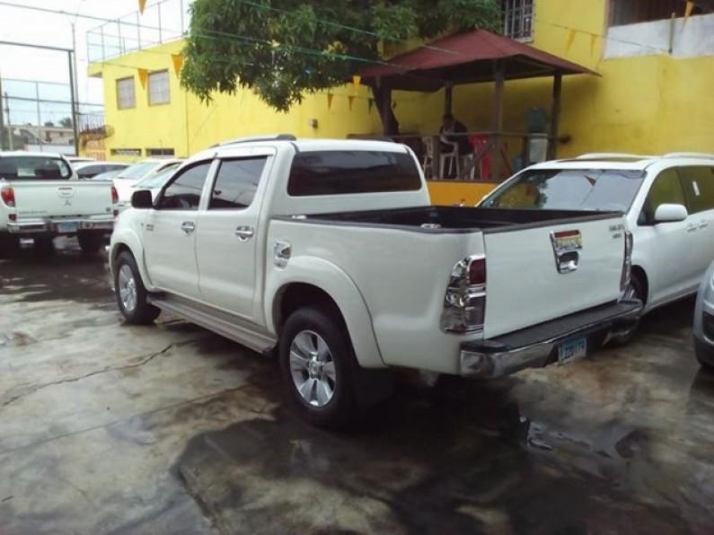Toyota Hilux 2006 full
