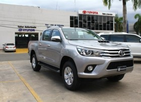 Toyota Hilux Limited 2018 gris