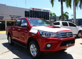 Toyota Hilux Limited 2018 rojo