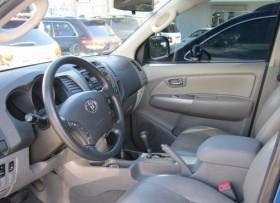 Toyota Hilux SRV 2010